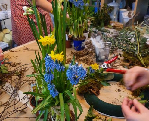 Kreativ Workshop - Frühlingskranz gesteckt 1