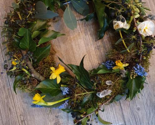 Kreativ Workshop - Frühlingskranz gesteckt Werkstück